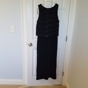 Social Circles Size 16 Black Velvet and Lace party